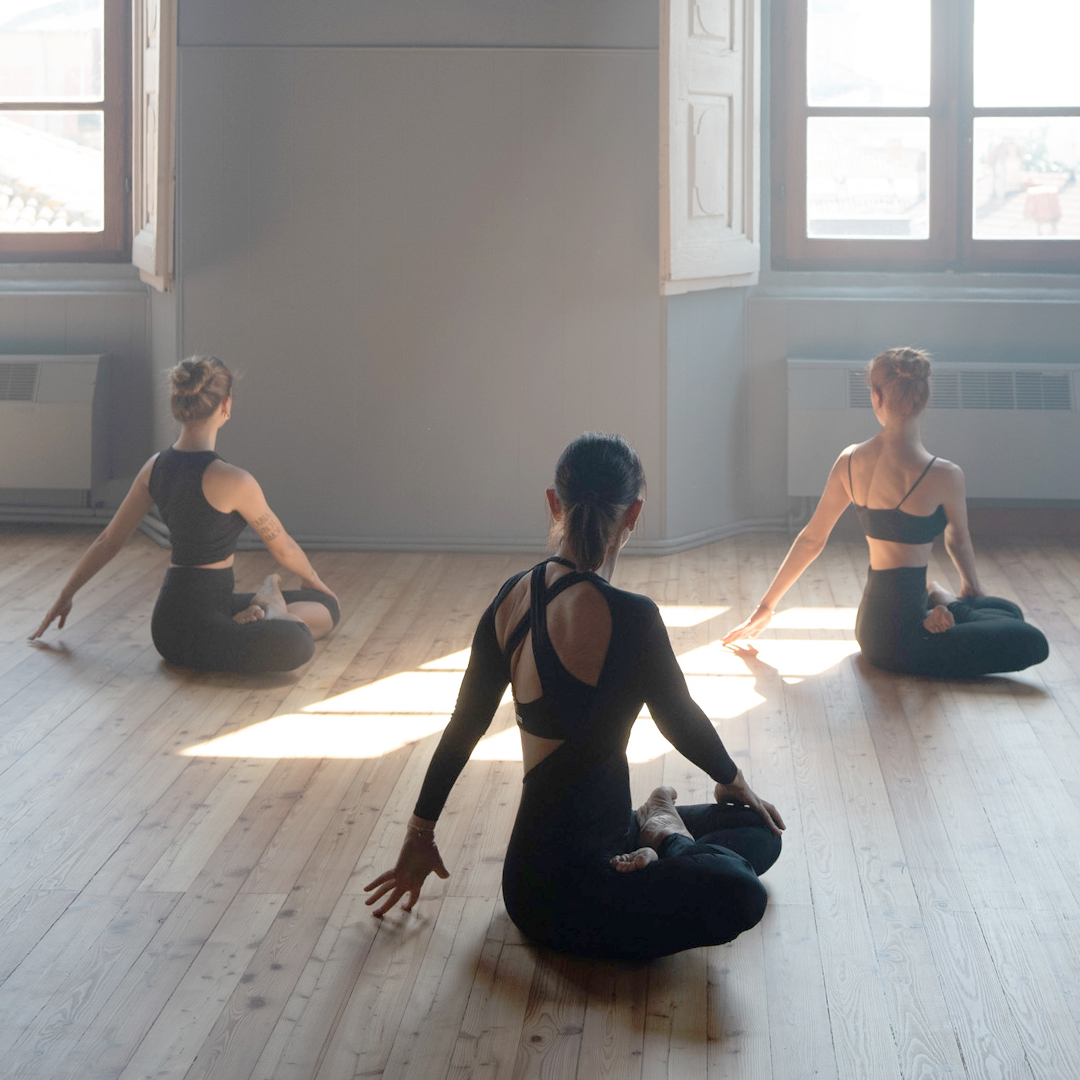 yoga GIO 8032